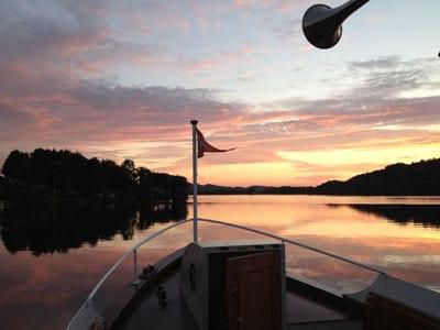 Oplev silkeborg om aftenen med en sejltur